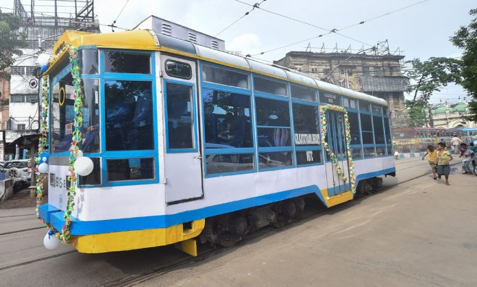 wifi-facility-launched-in-ac-tram-in-west-bengal-to-attract-youth